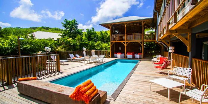 French Coco Hotel de charme Trinité Martinique vue piscine collective