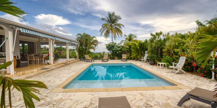 Location Villa Guadeloupe le gosier 3 chambres pour 6 personnes avec piscine et vue mer