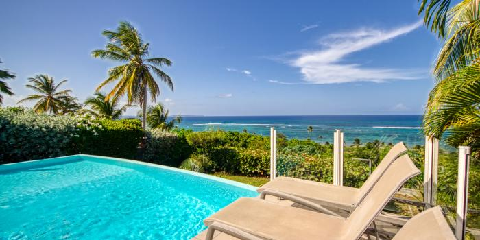 Location villa 4 chambres piscine vue mer Guadeloupe Le Moule