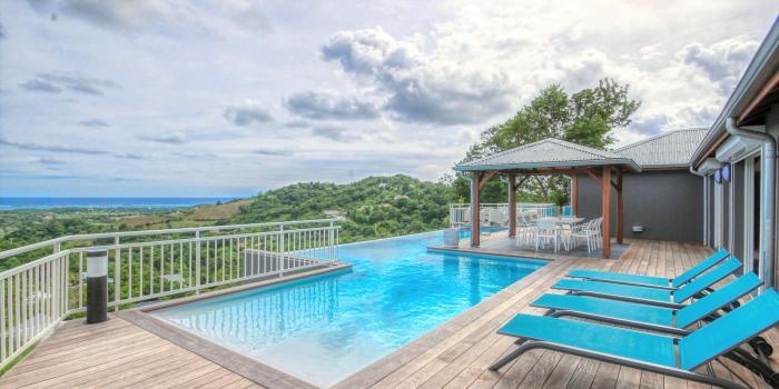 location villa de luxe vue mer martinique piscine
