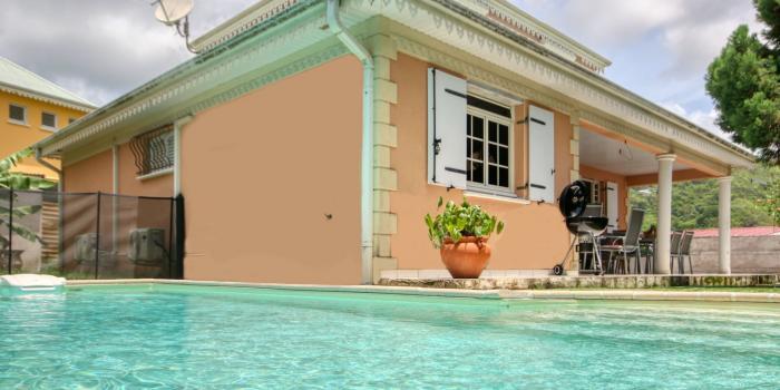location villa Martinique 9 personnes au Marin avec piscine et Jacuzzi - vue extérieure