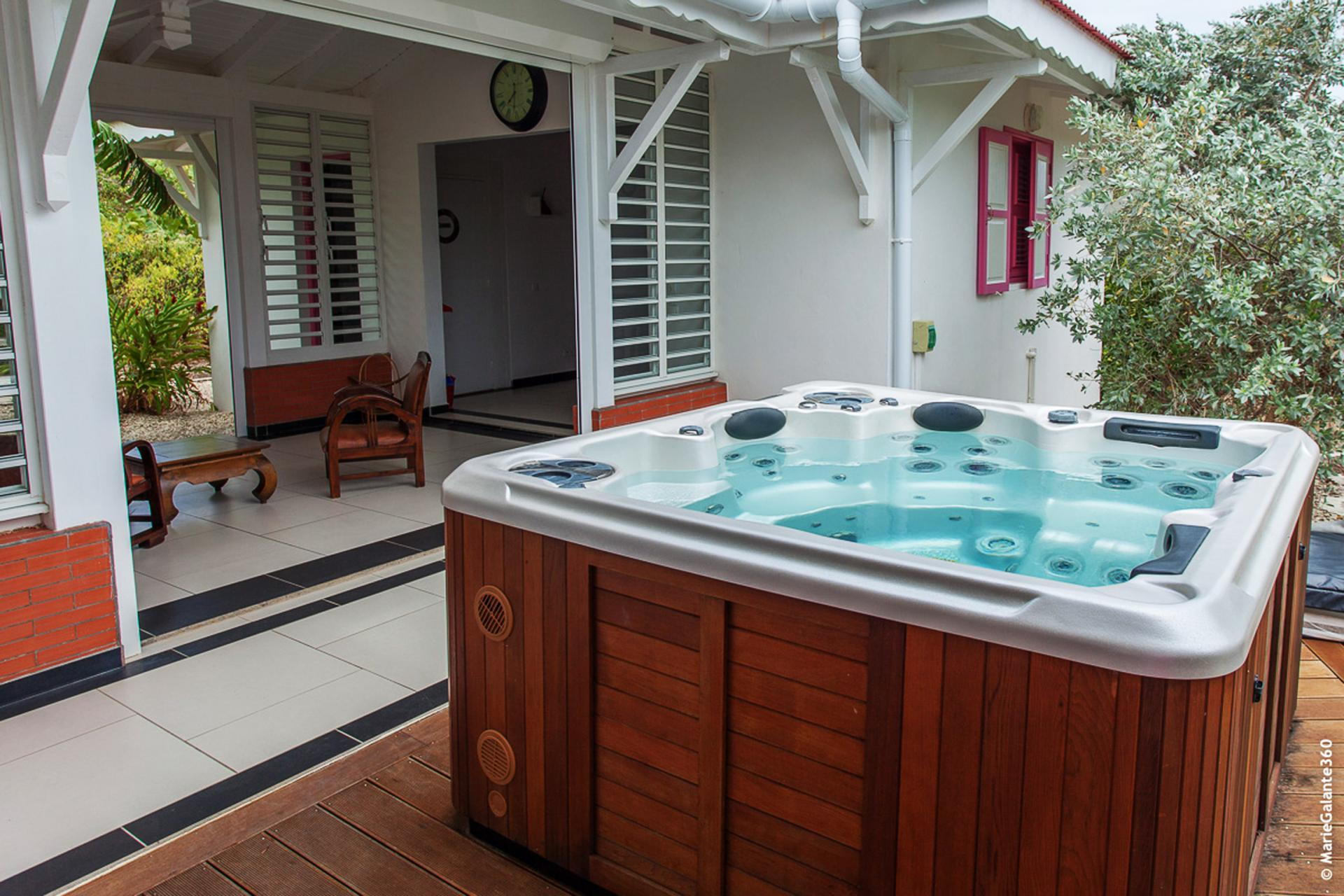 Villa en location avec jacuzzi - Vue d'ensemble