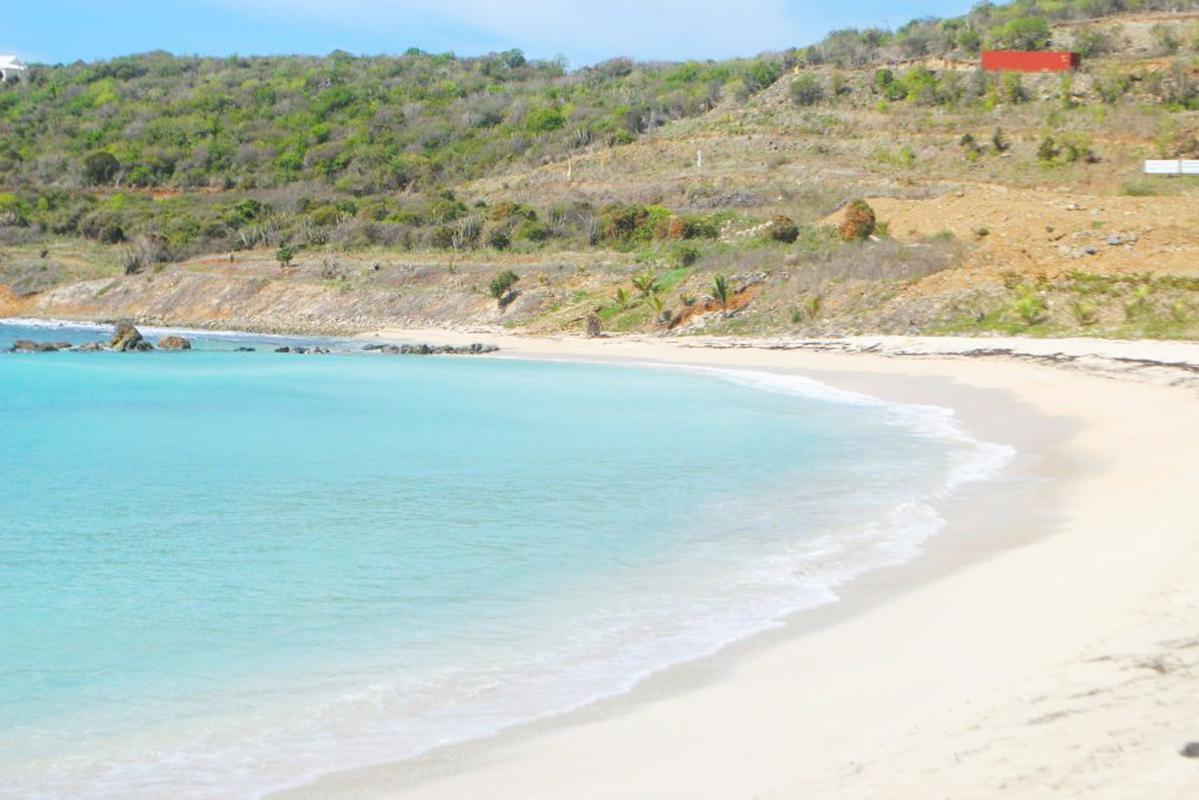 Plage de Cay Bay lagon