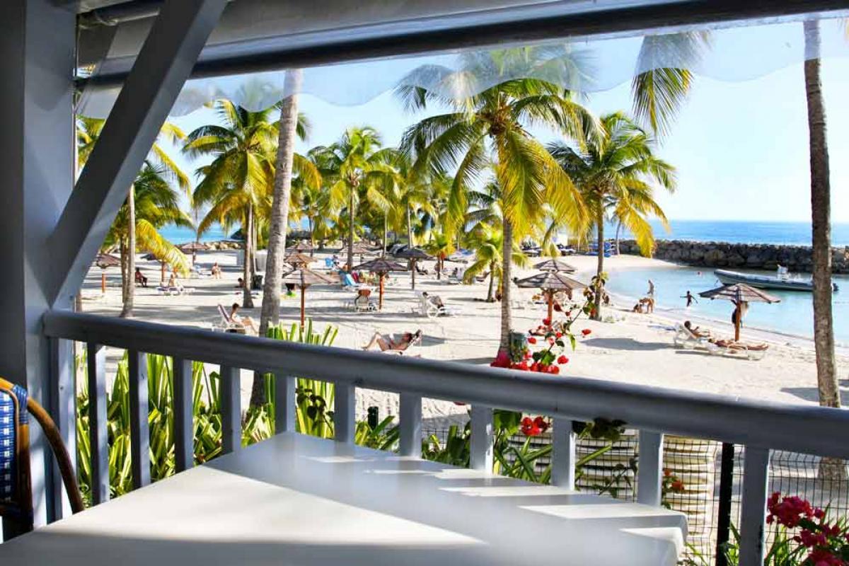 Hotel Guadeloupe - Vue plage depuis restaurant