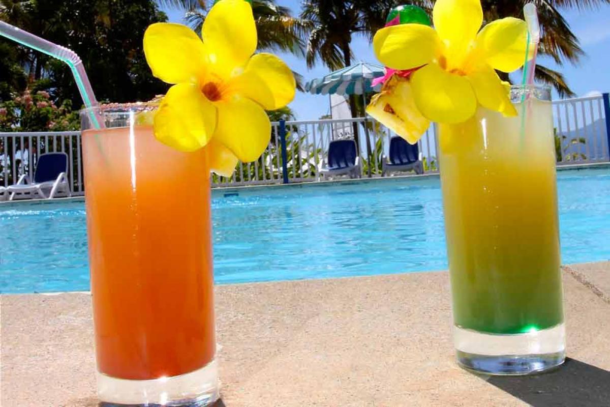 Hotel Salako - Cocktail en bord de piscine