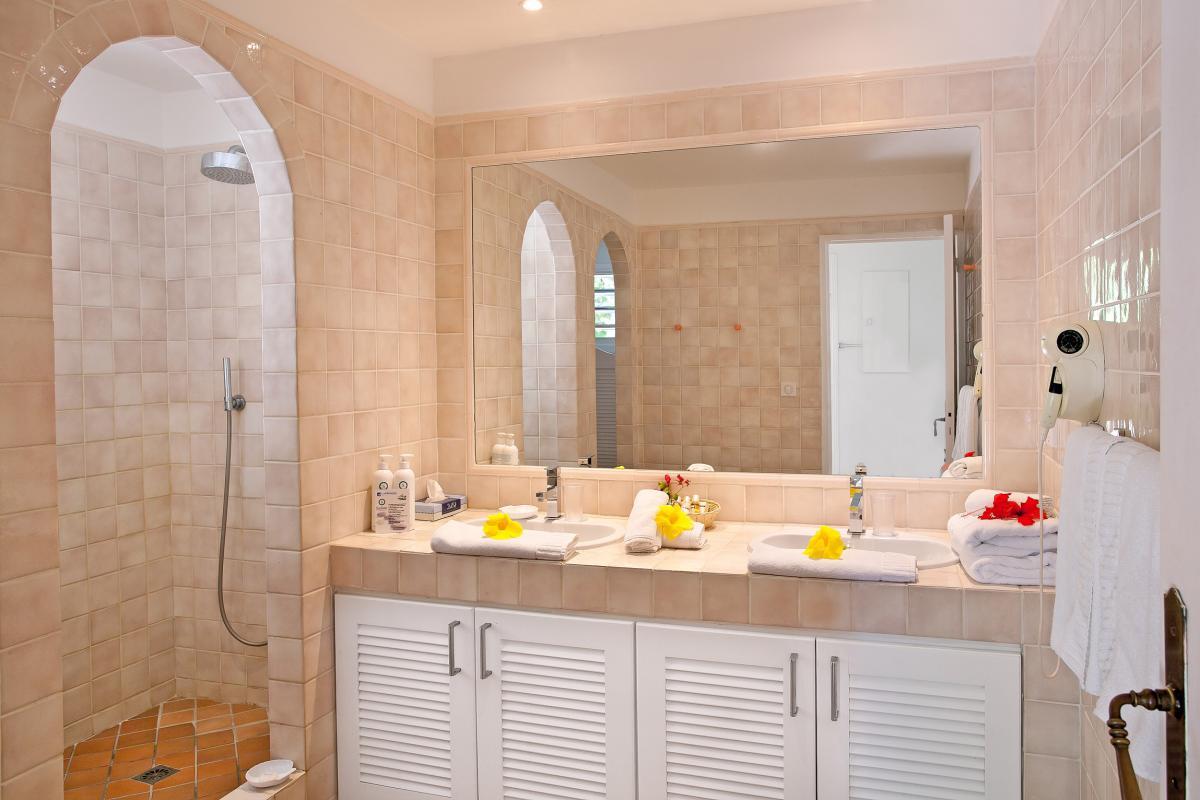 Hôtel La Plantation - Salle de douche Suite
