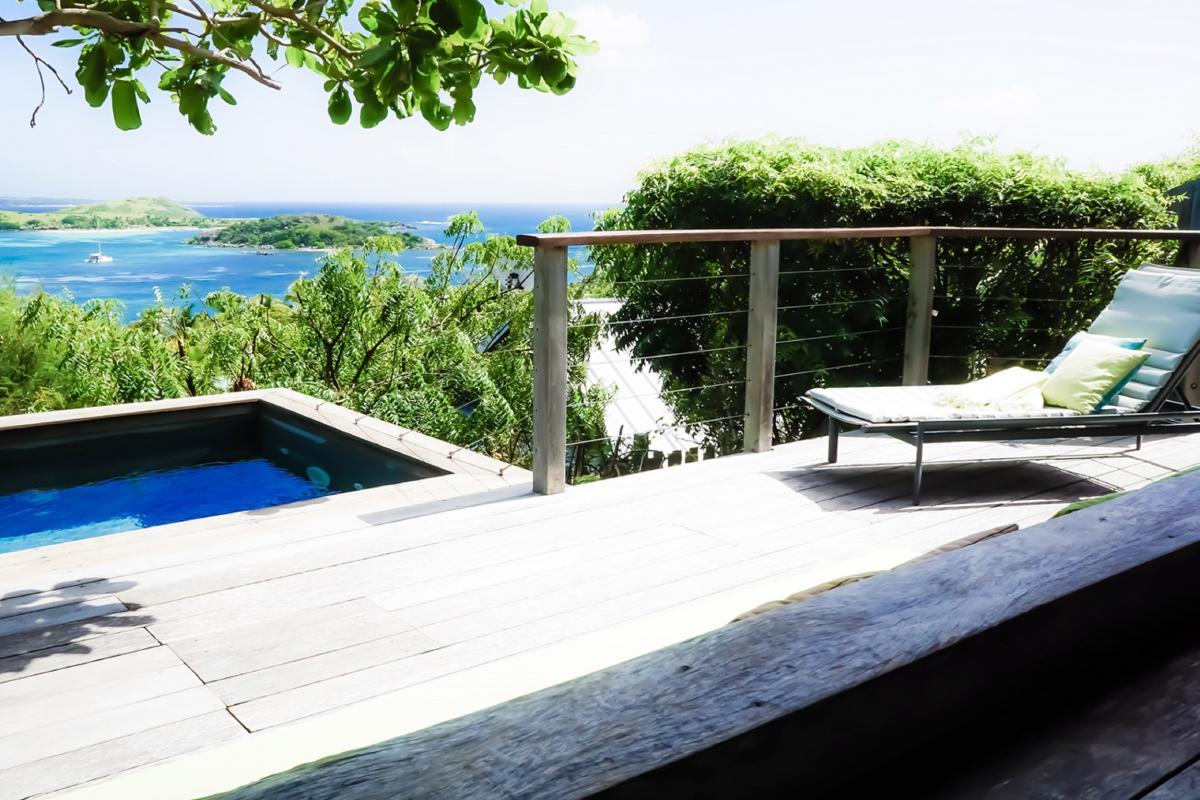 Hotel Karibuni Lodge - Jacuzzi et transat vue mer Suite Exclusive