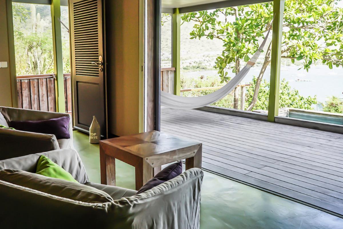Hotel Karibuni Lodge - Salon et terrasse vue mer Suite Exclusive