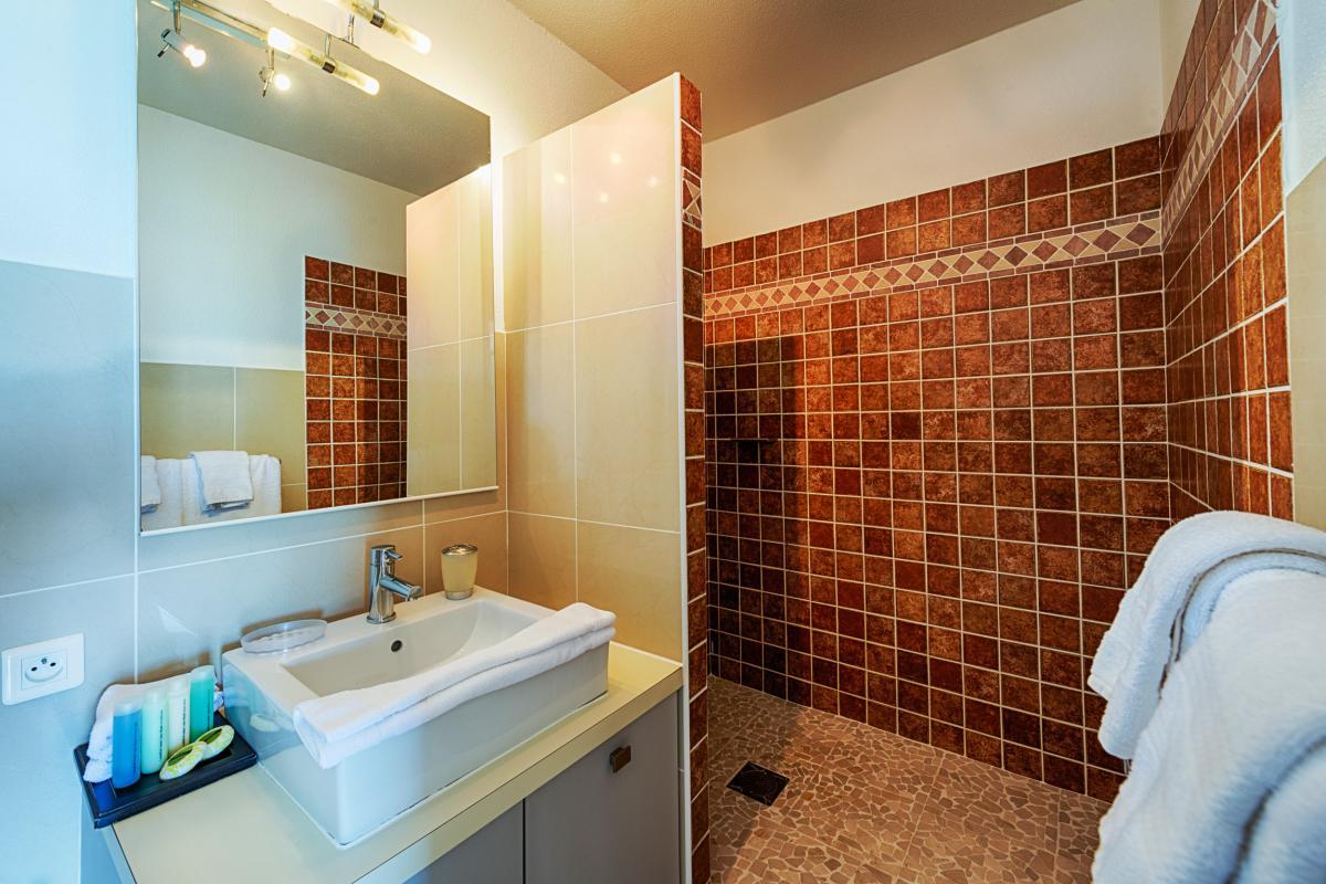 Bleu Emeraude - Salle de bain studio