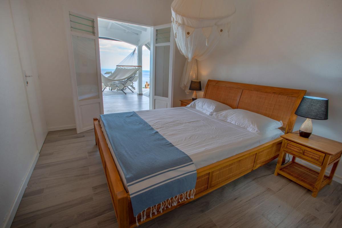 A Bouillante villa de standing vue mer et Ilets Pigeon à louer