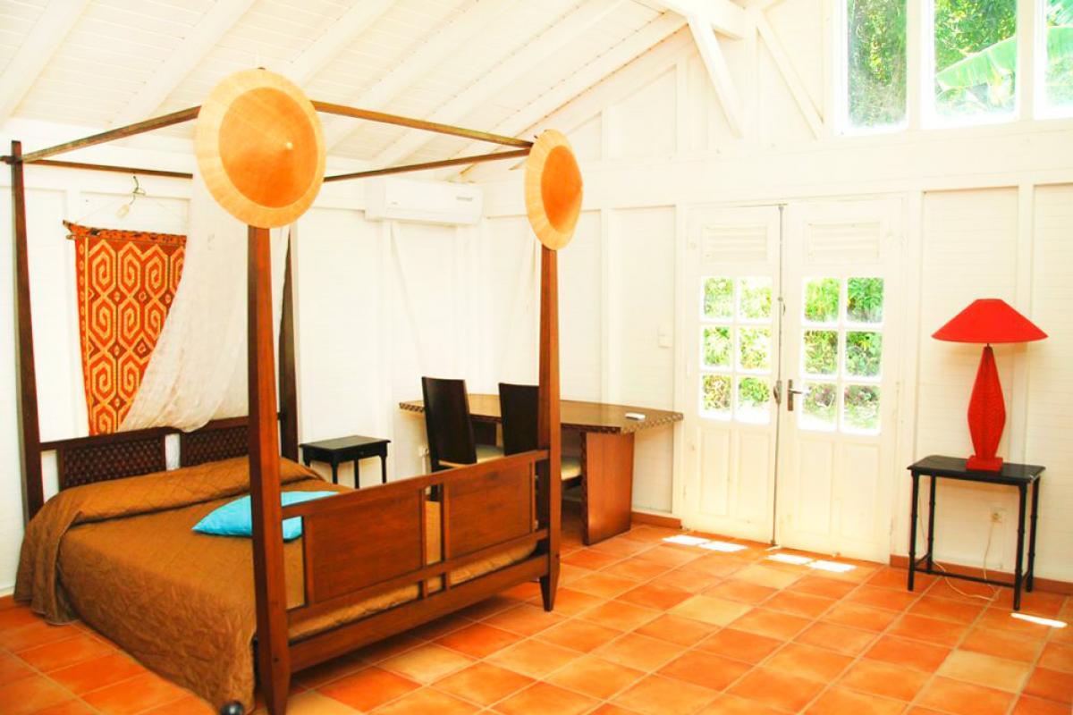 Location villa 100m de la plage - Chambre Mangotine