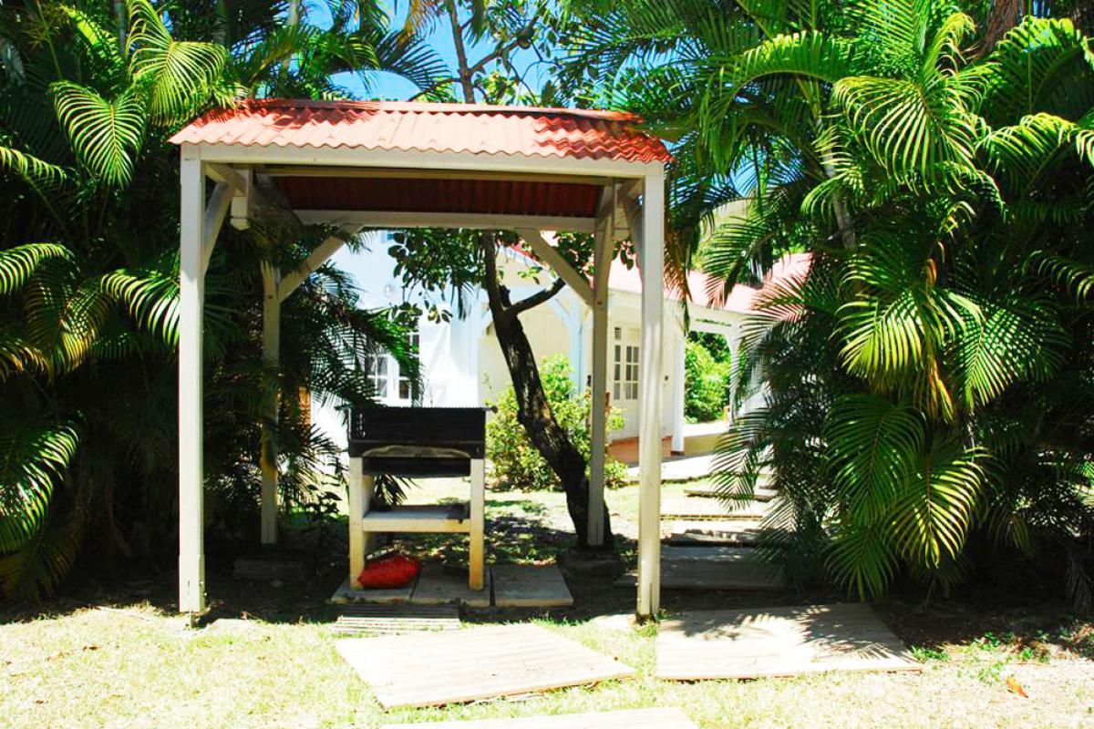 Location villa 100m de la plage - Espace barbecue