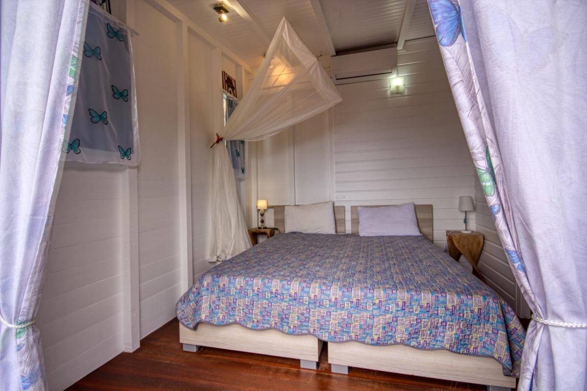 Location villa de luxe et vue mer 5 chambres pour 12 personnes avec piscine à Deshaies en Guadeloupe