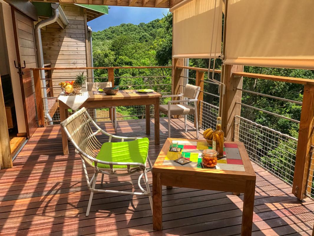 Villa à louer en Guadeloupe piscine et vue sur la mer - Bungalow terrasse