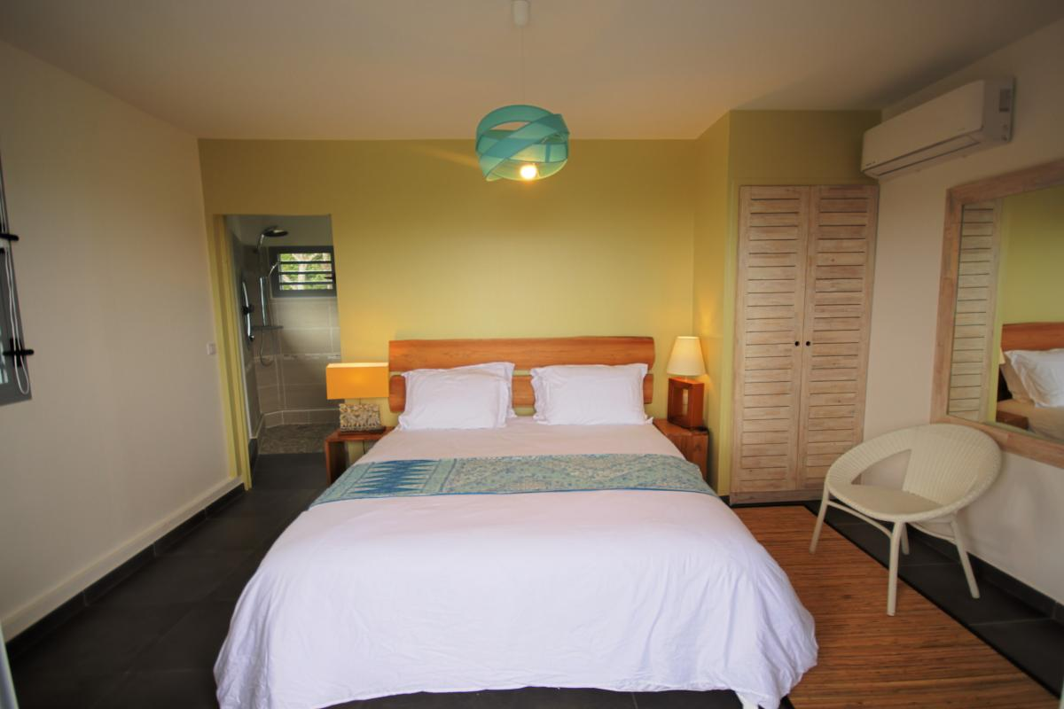 Villa for rent in Guadeloupe swimming pool and sea view - Bedroom 2 Floor