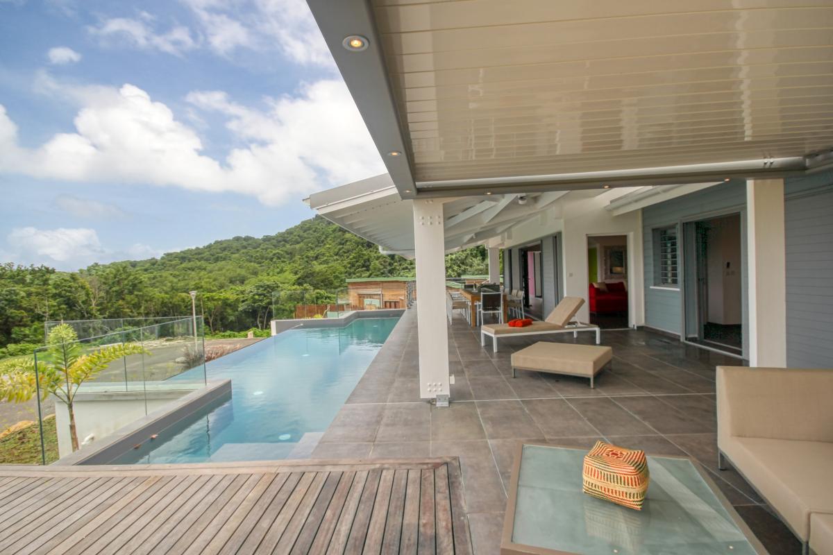 Villa à louer en Guadeloupe piscine et vue sur la mer - Terrasse