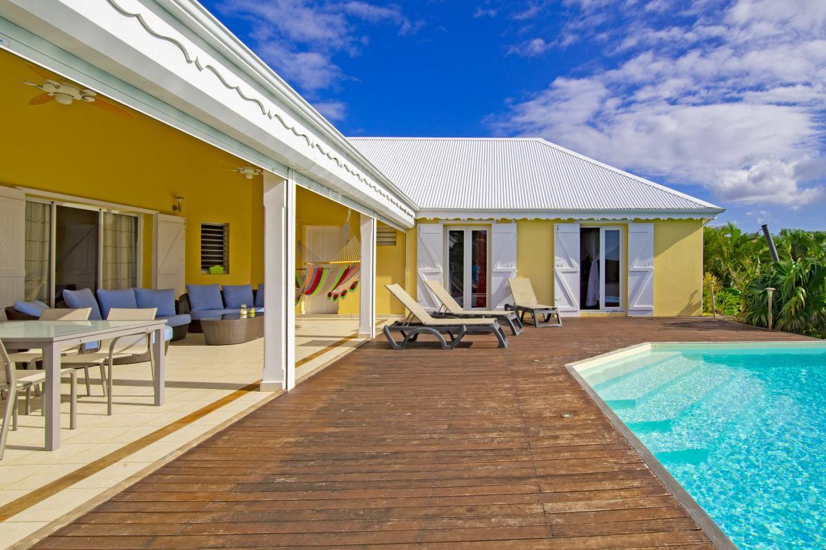 Guadeloupe à Deshaies, location villa avec piscine et vue mer pour 6 personnes