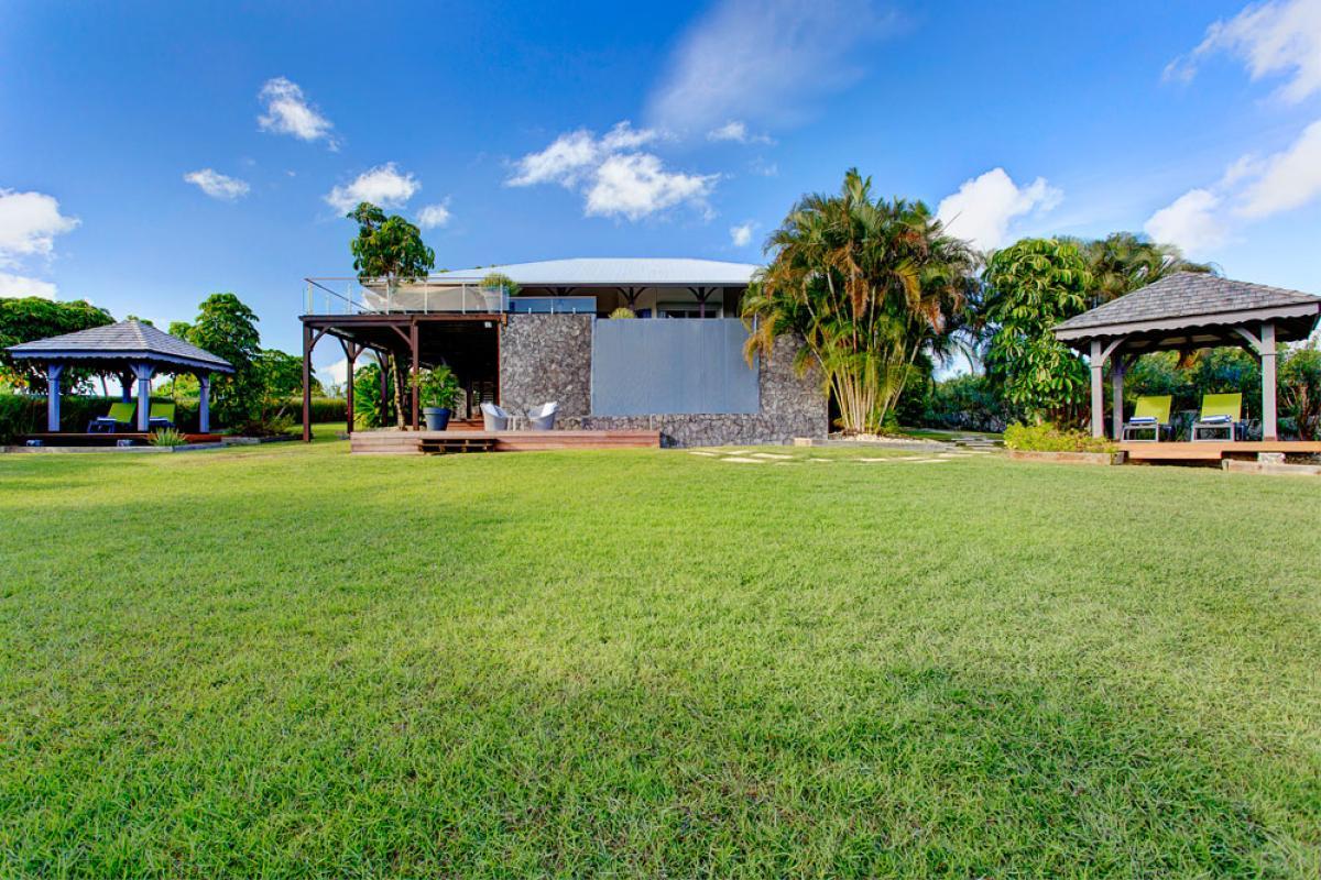 Villa de prestige vue mer avec piscine en Guadeloupe - Jardin