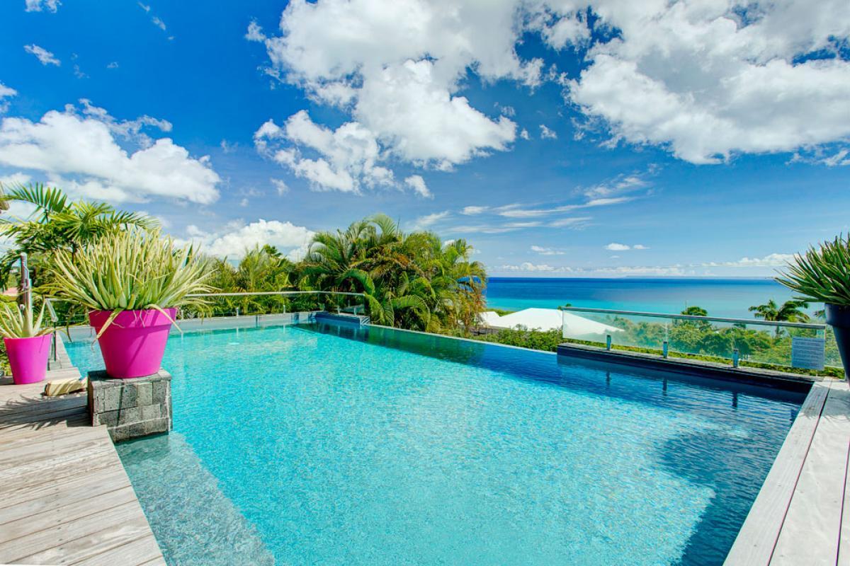 Villa de prestige vue mer avec piscine en Guadeloupe - La Piscine