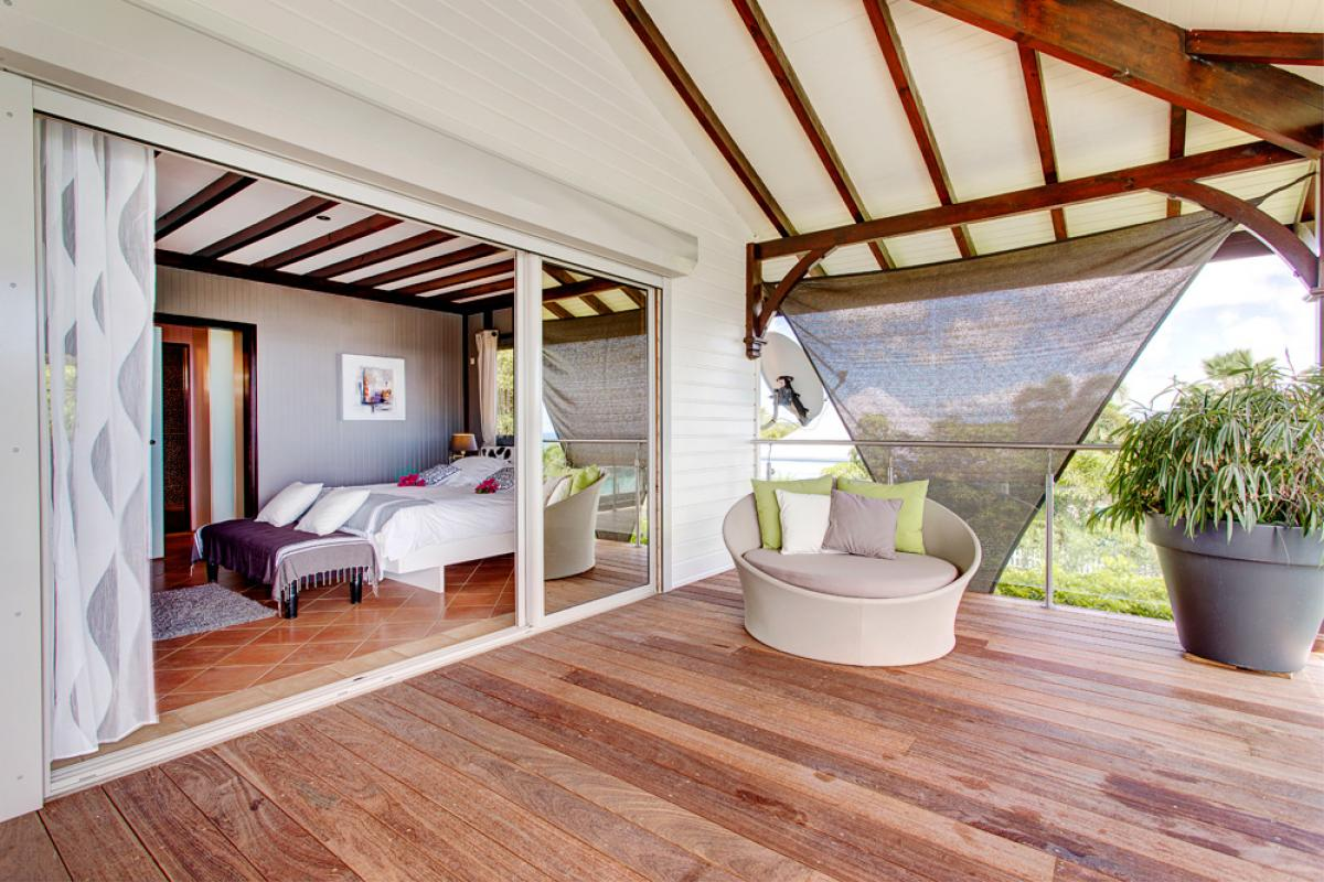 Villa de prestige vue mer avec piscine en Guadeloupe - La Suite Parentale Terrasse
