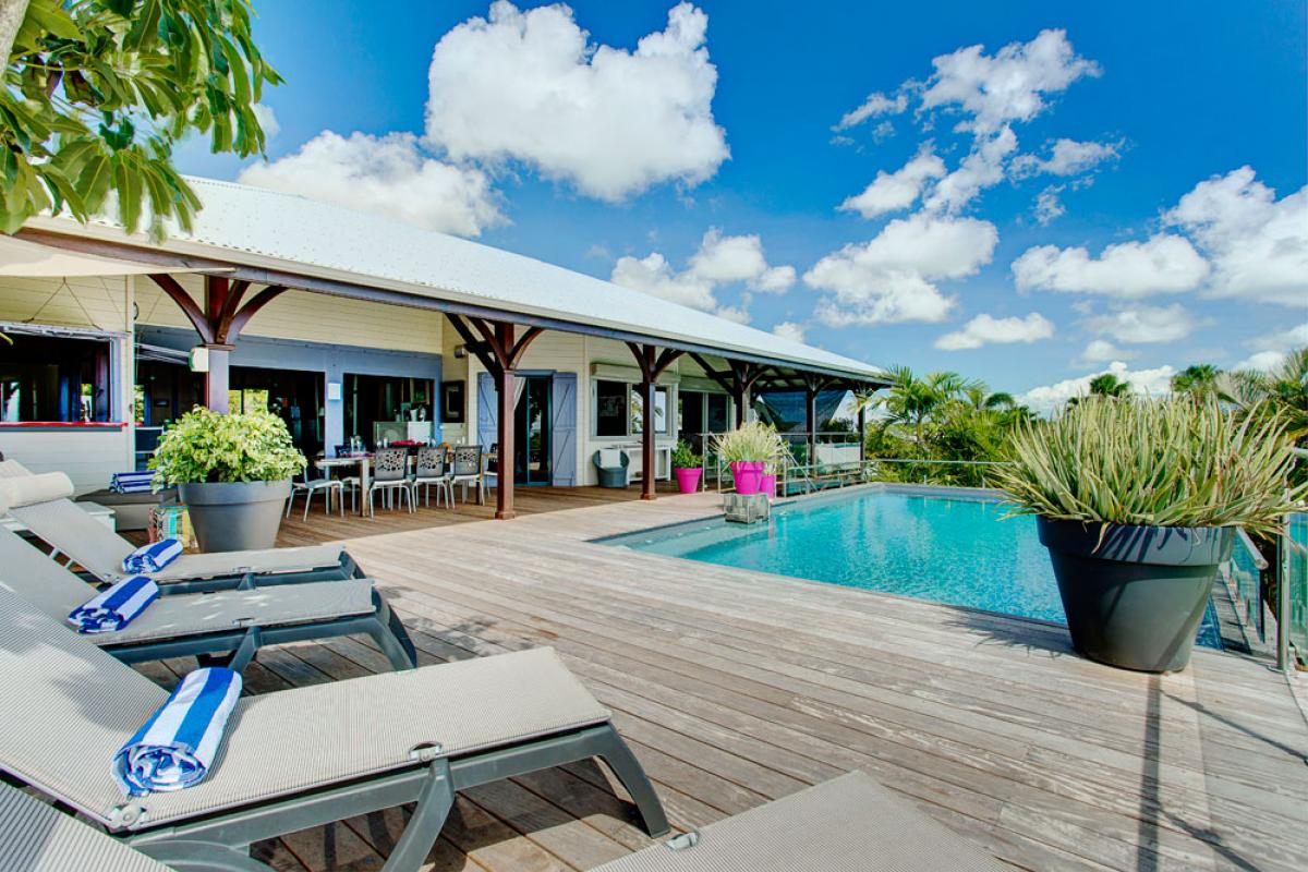 Villa de prestige vue mer avec piscine en Guadeloupe - Vue d'ensemble