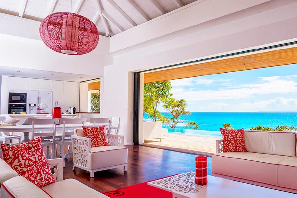 Villa d'exception vue mer 180° - Salon