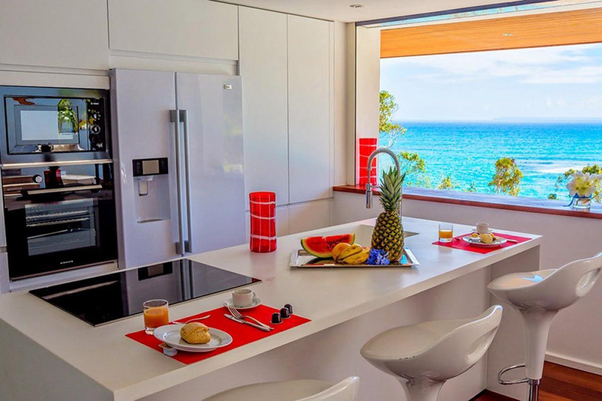 Villa d'exception vue mer 180° - Cuisine