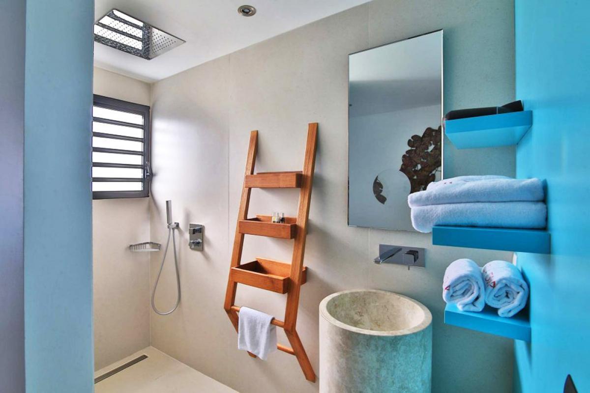 Villa d'exception vue mer 180° - Salle de douche