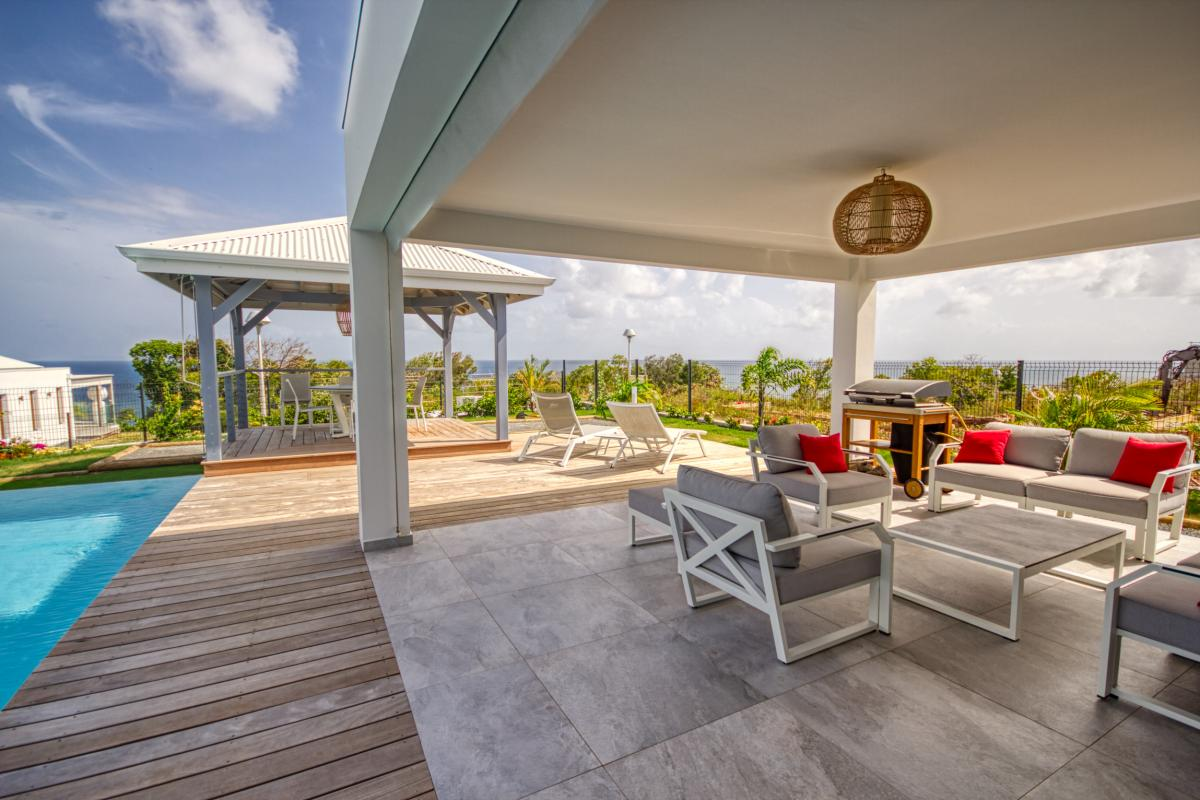 Location villa d'architecte avec vue mer piscine et spa 4 chambres pour 8 personnes