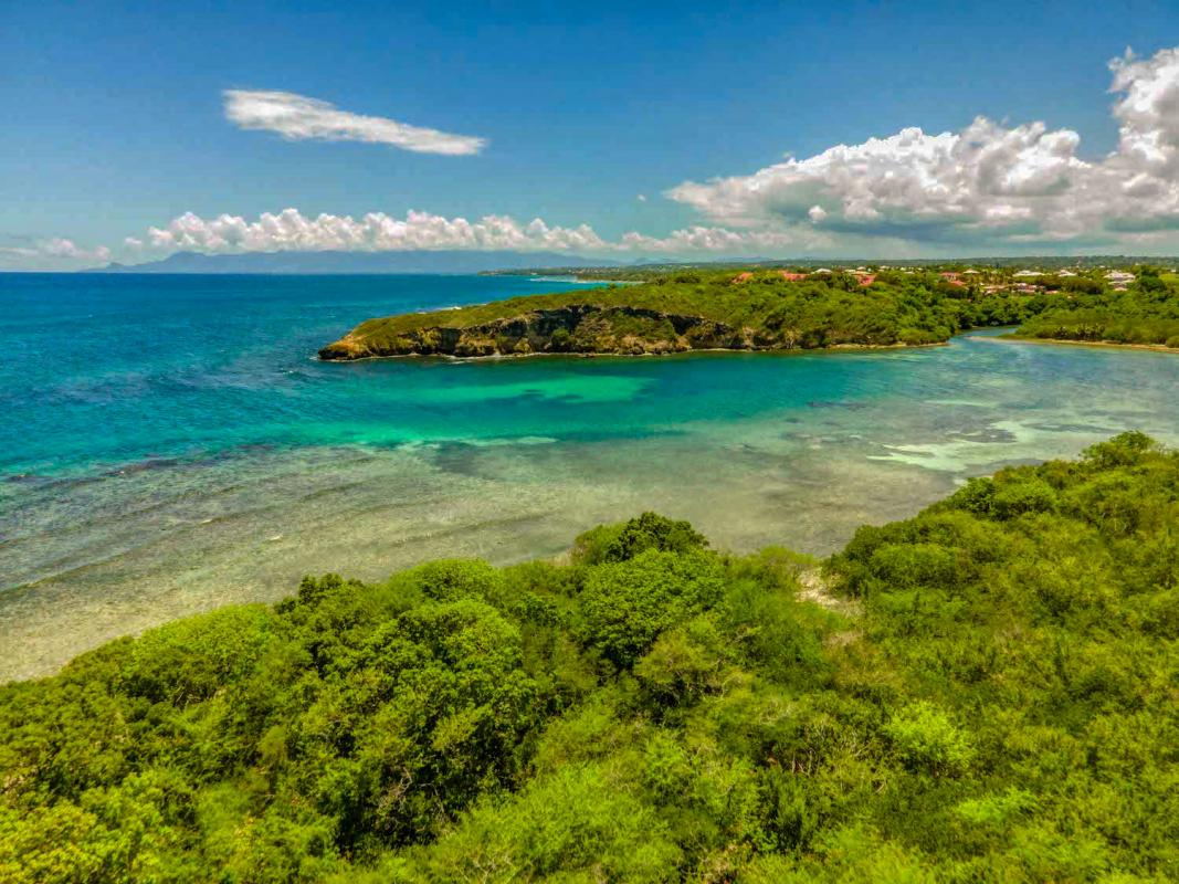 A louer St François guadeloupe villa 4 chambres 8 personnes avec piscine vue mer et accés plage