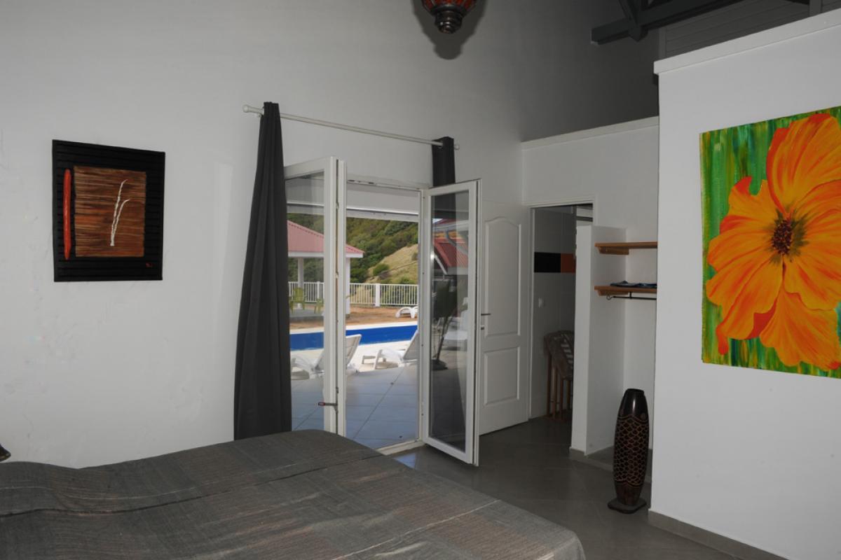 Location piscine vue mer Les Saintes - Chambre 2