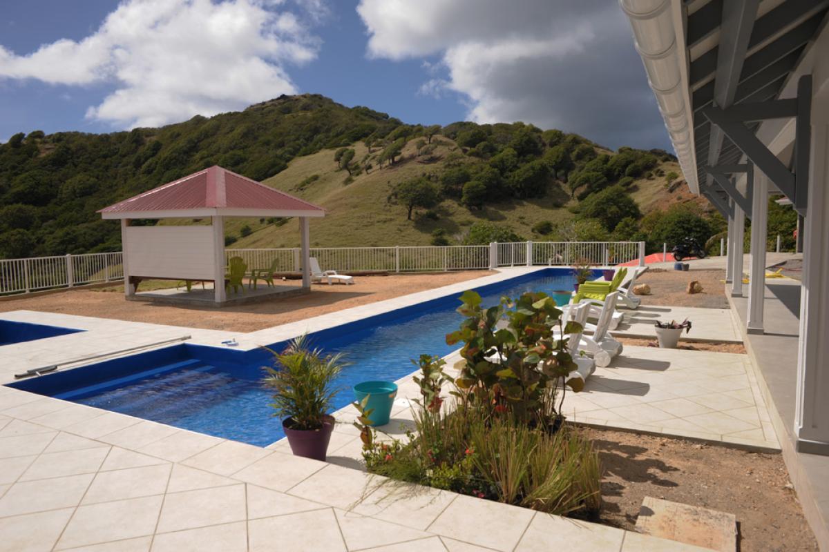 Location piscine vue mer Les Saintes - Vue d'ensemble