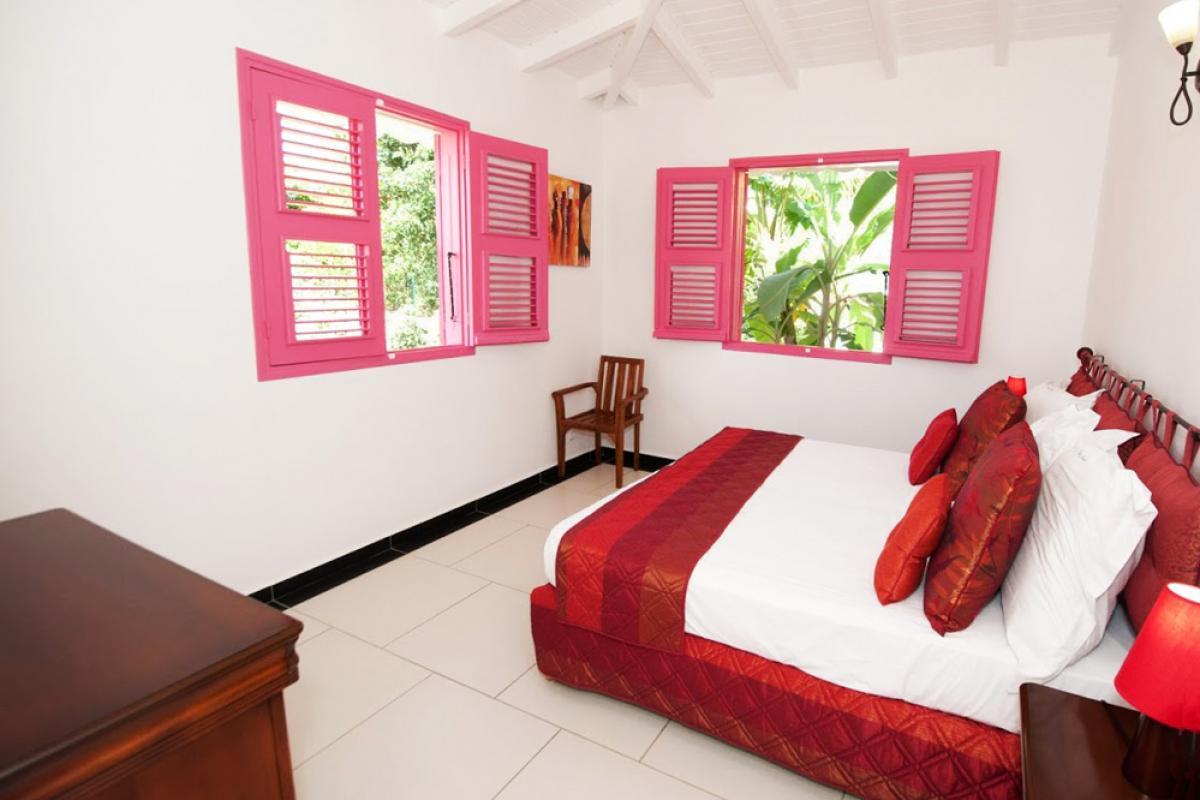 Villa en location avec jacuzzi - La Chambre 1