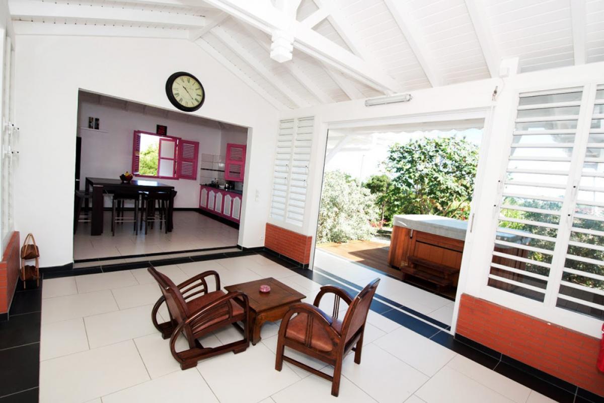 Villa en location avec jacuzzi - Le Patio et Jacuzzi