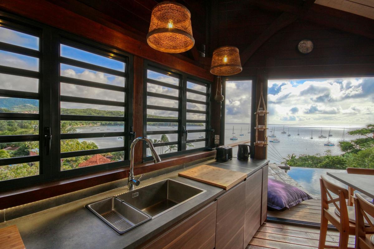 location villa de luxe martinique grande anse vue mer piscine 12 personnes cuisine2