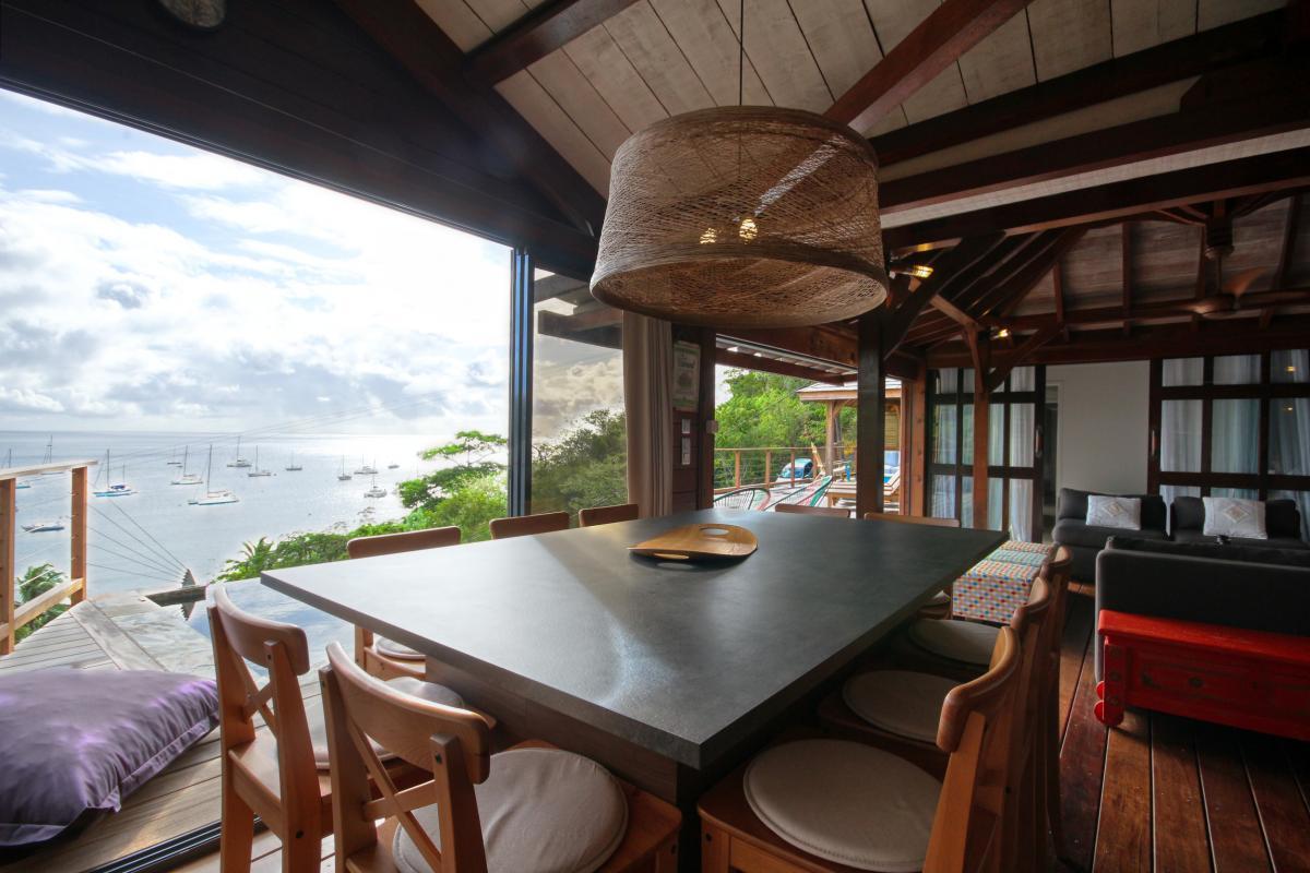 location villa de luxe martinique grande anse vue mer piscine 12 personnes salle à manger2