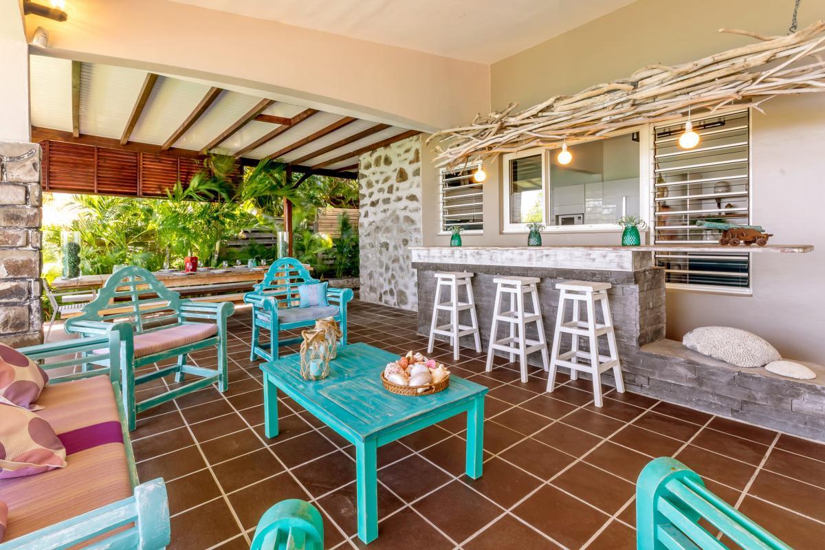 Location Villa de luxe Martinique Espace terrasse et bar
