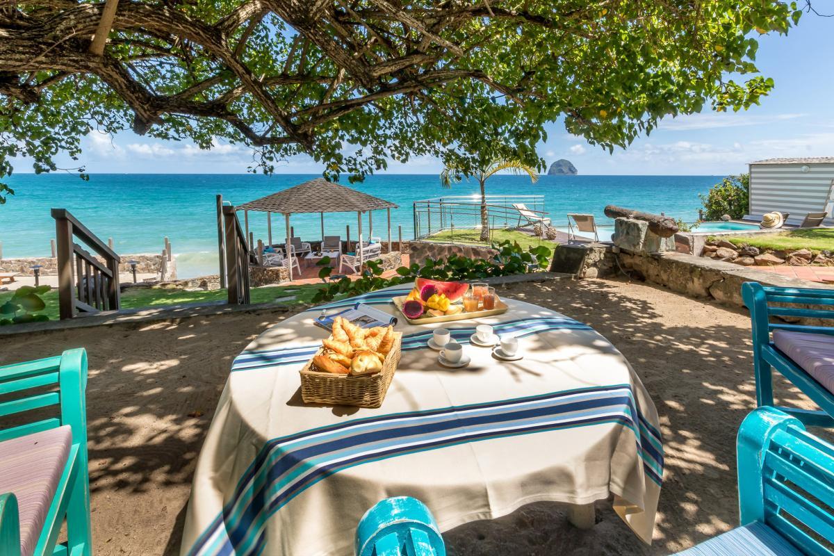 Location Villa de luxe Martinique Vue jardin et plage