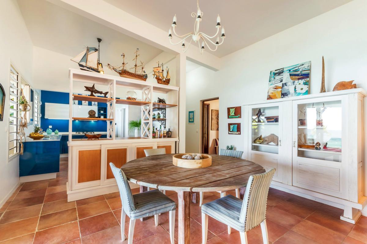 Location Villa de luxe Martinique Vue séjour et cuisine