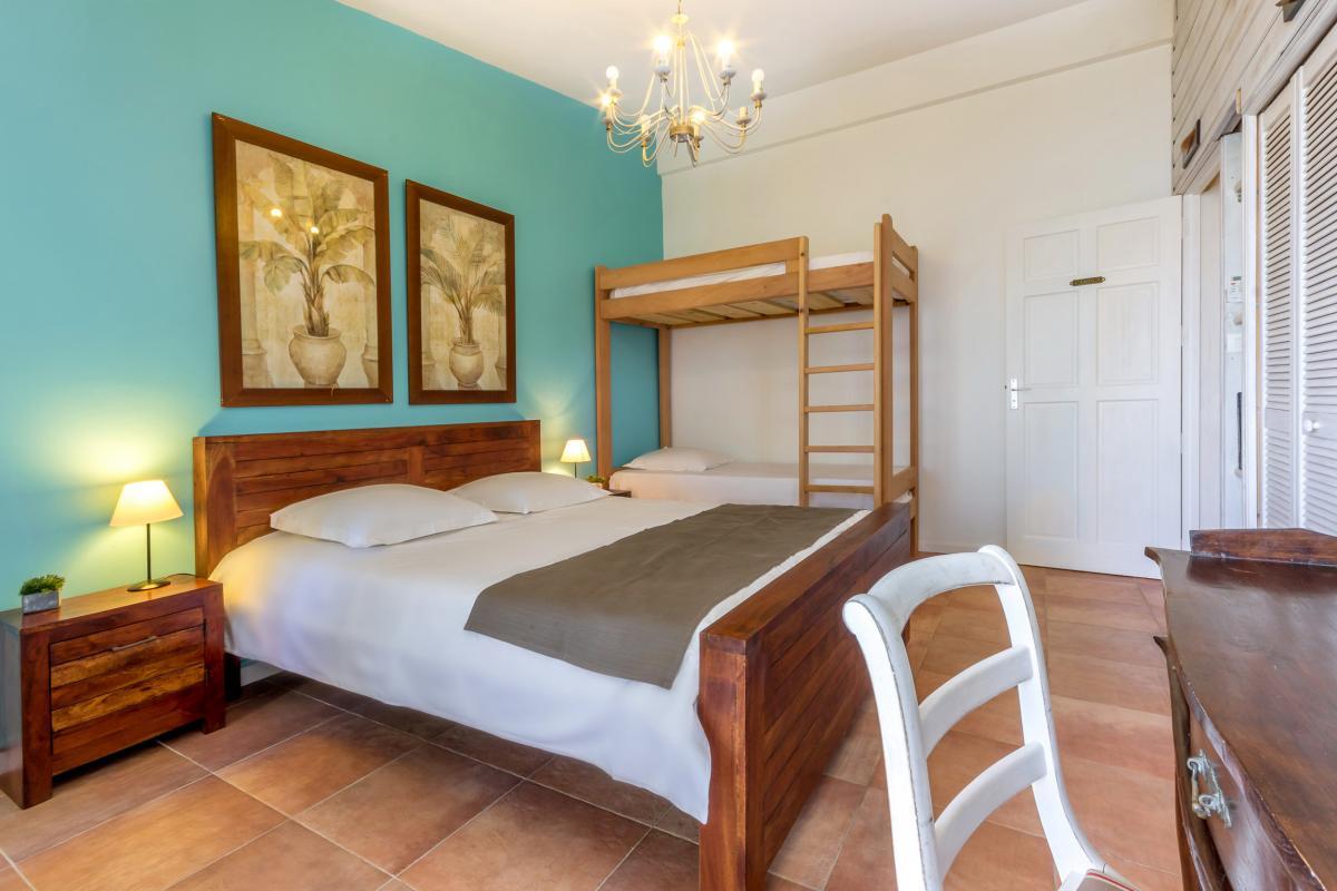 Location Villa Martinique - Grand lit double Chambre 3