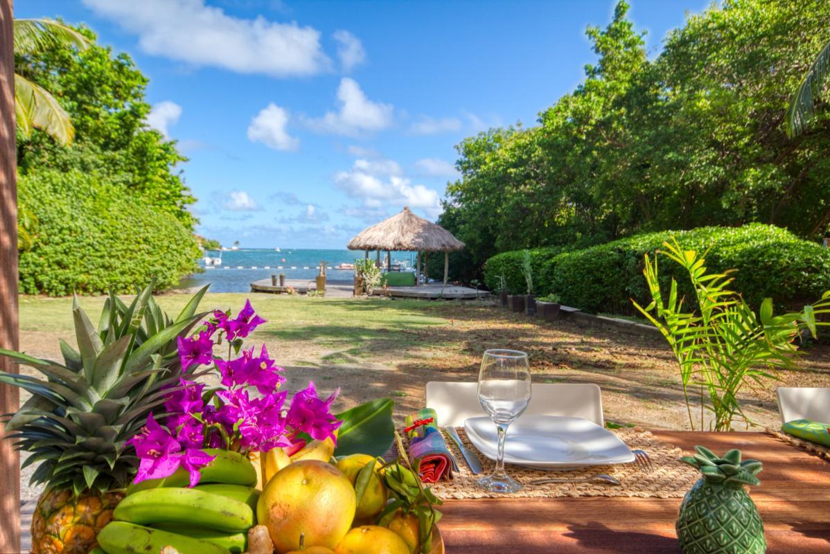 location villa de luxe martinique  jardin et vue mer