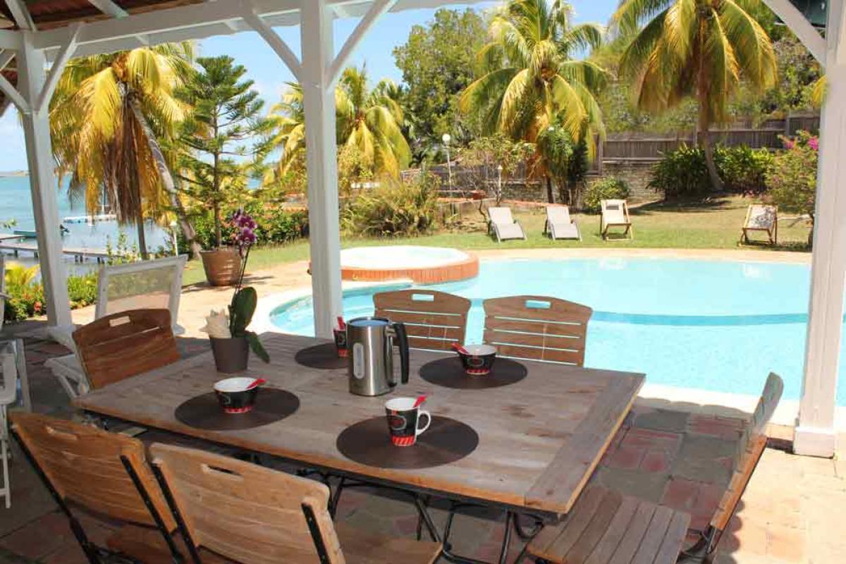 Location Martinique- Espace détente sous le kiosque