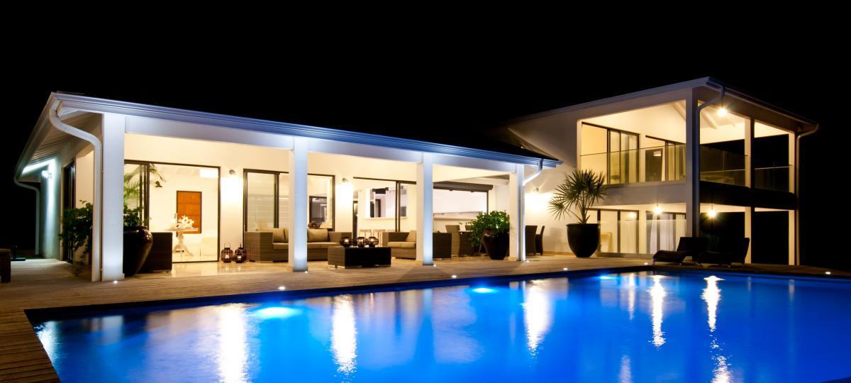 location villa d'exception 14 personnes vue mer ensemble nuit