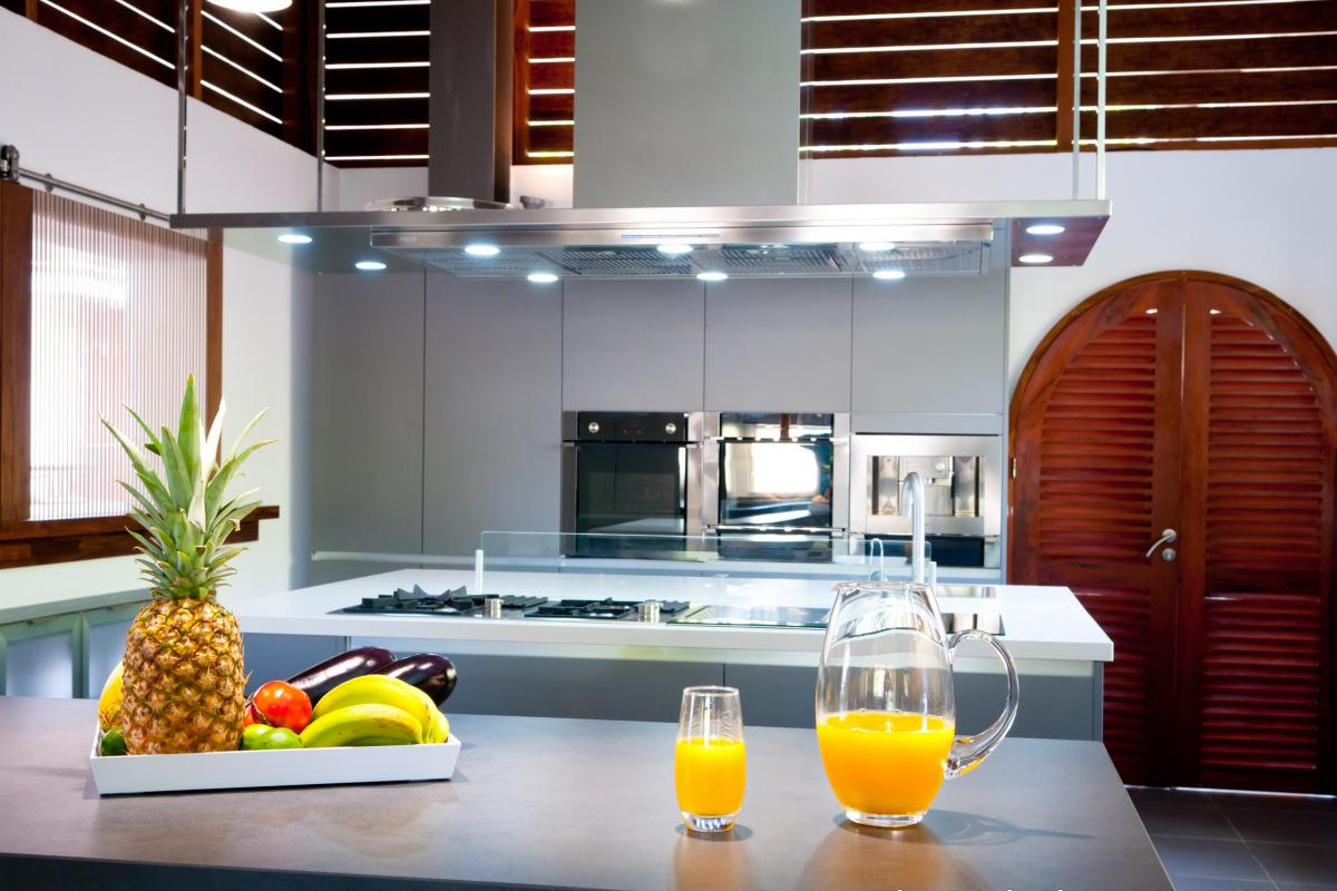 Location villa de grand luxe Martinique cuisine principale bis