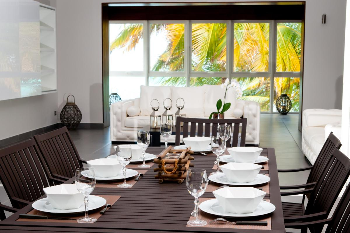 Location villa de grand luxe Martinique Table salon