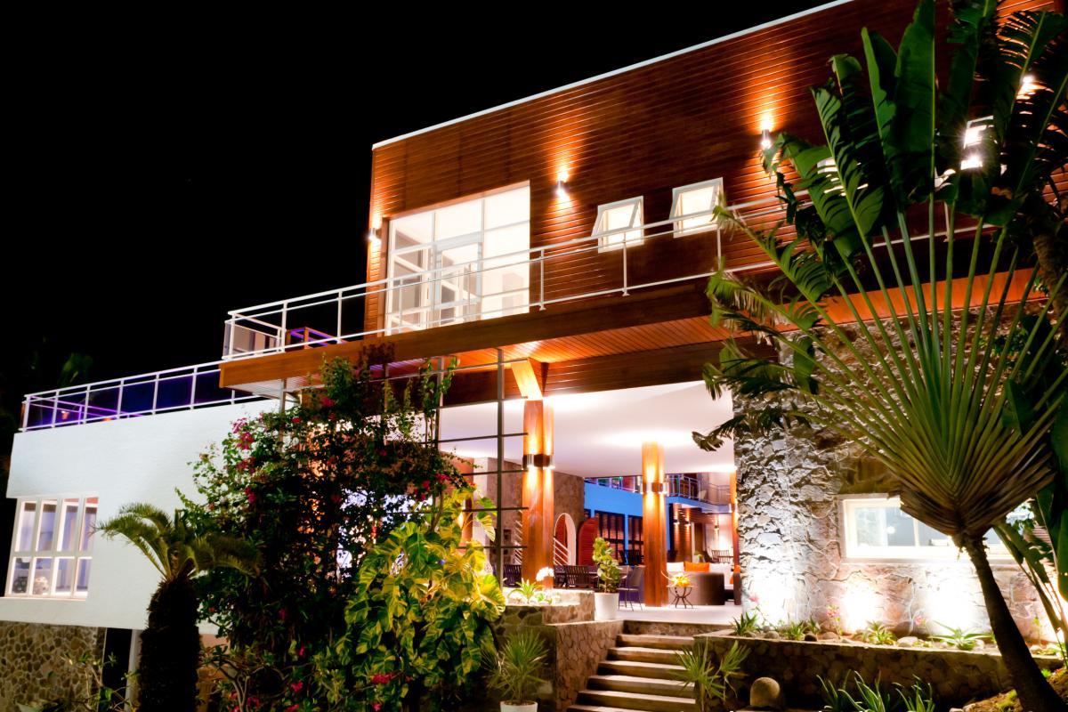 Villa grand luxe Martinique Vue d'ensemble haut nuit