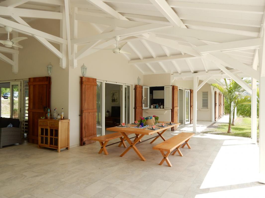 Location villa de luxe en martinique terrasse couverte