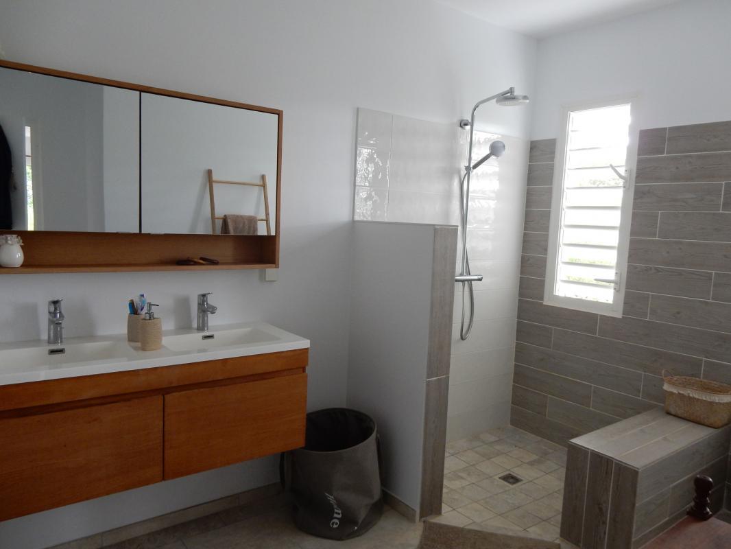 Location villa Martinique - Ch 1 - Salle de douche