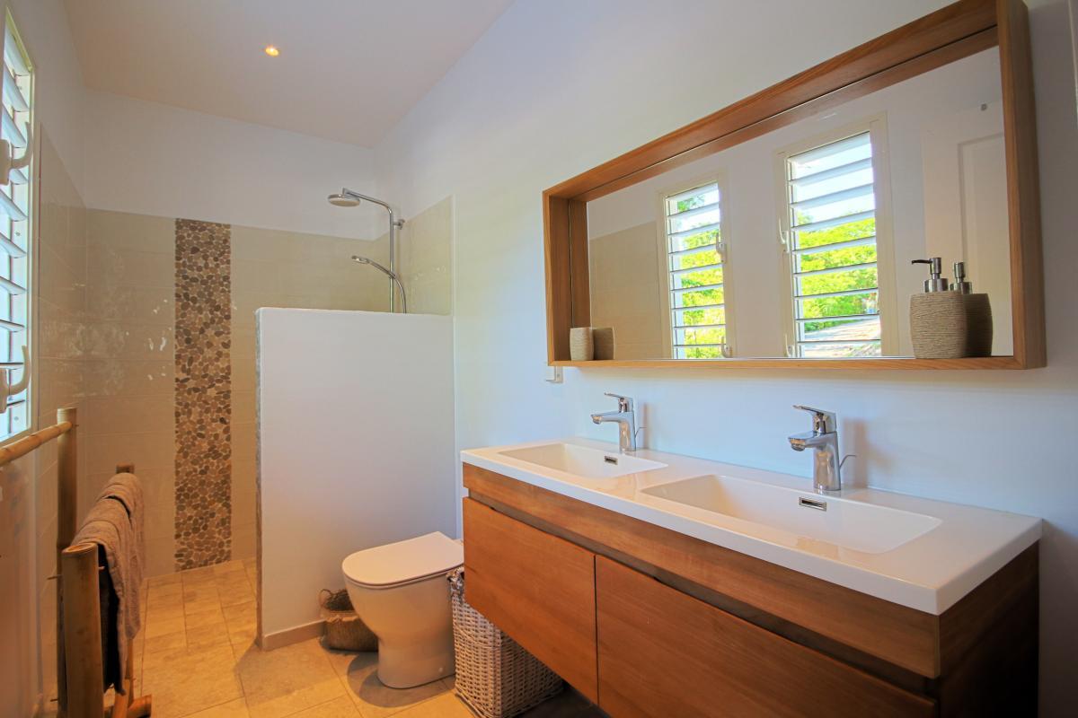 Location villa Martinique - Ch 2 salle de douche