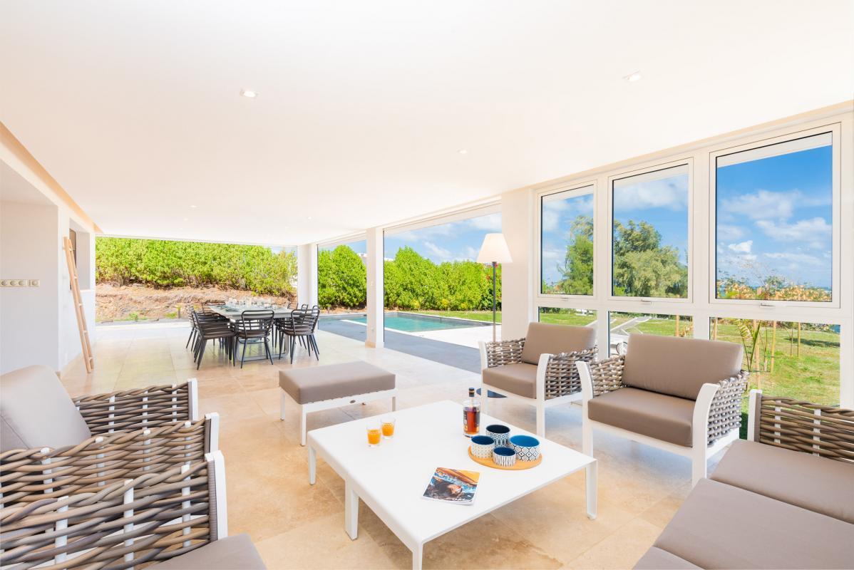 Location grande Villa Martinique pour 20 personnes avec salon
